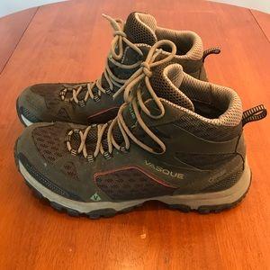 Women's Vasque Hiking boots size 9.5